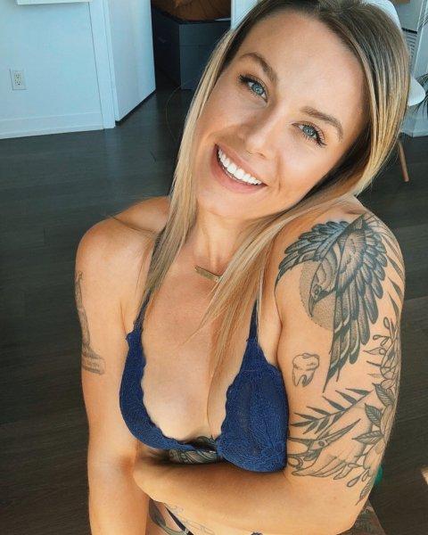 Olivia Hale 02