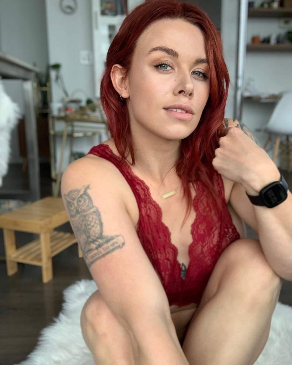 Olivia Hale 07