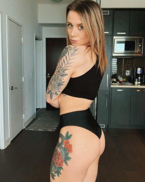 Olivia Hale 28