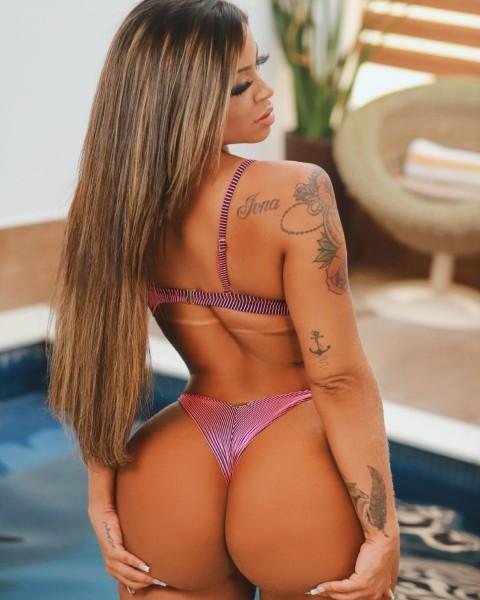 Stephanie Silveira 14