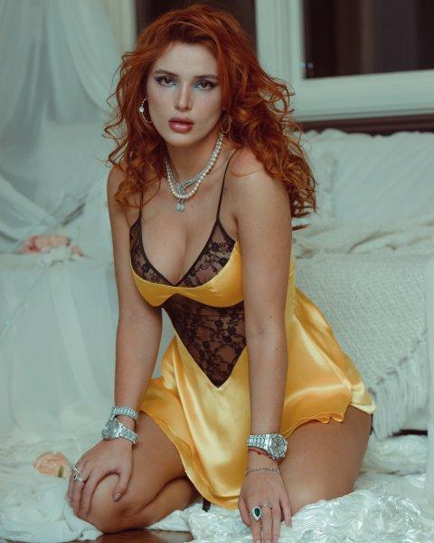 Bella Thorne 05