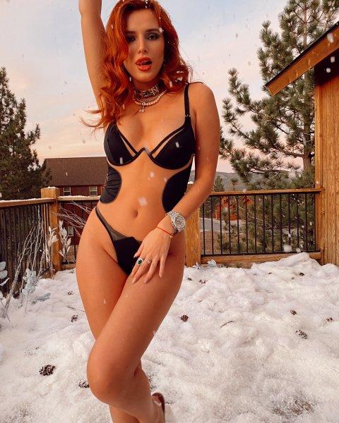 Bella Thorne 06