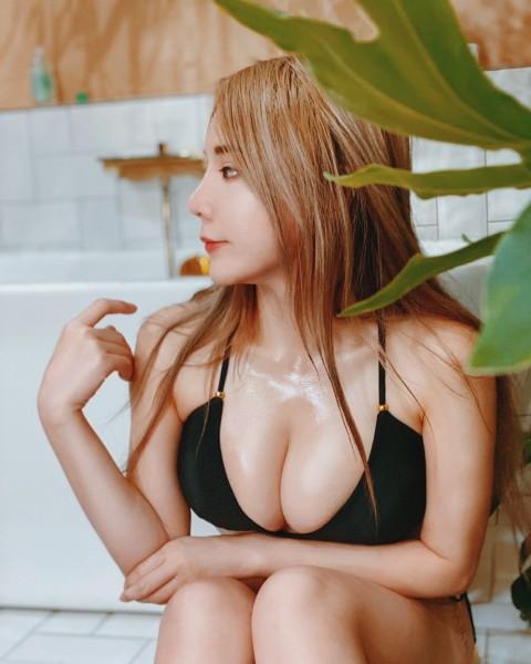 Janie Lin 17