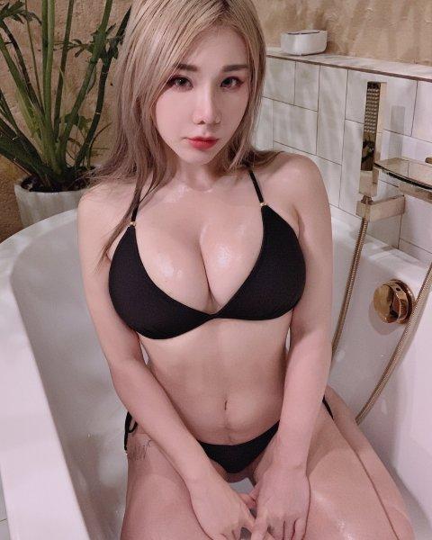 Janie Lin 19