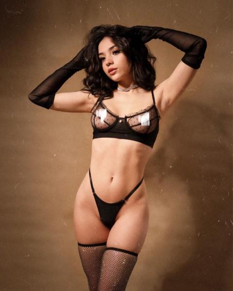 Mariana Cruzz 03