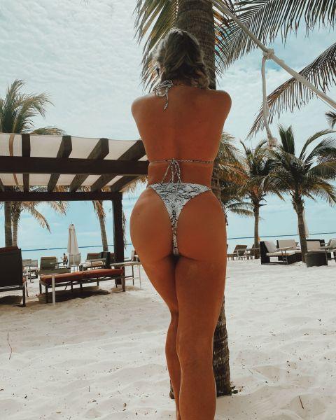 Vanessa Vuitton 28
